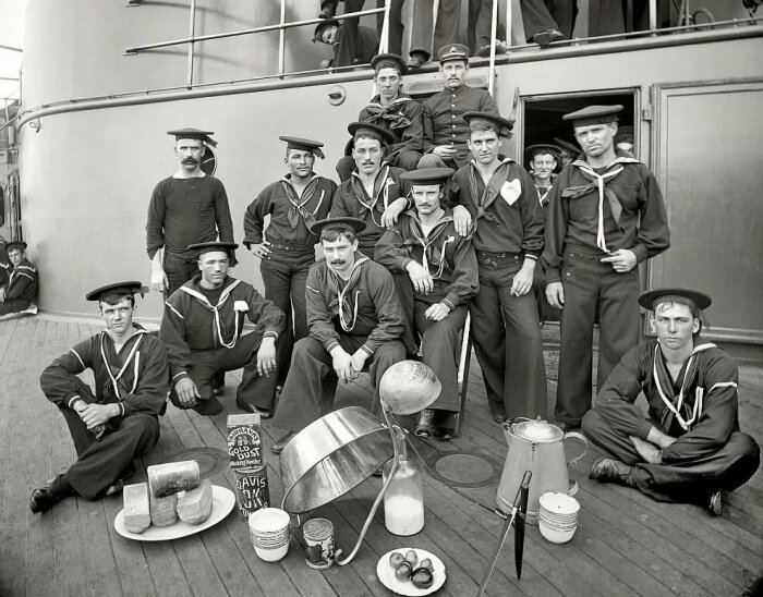 Форма моряков была не только практичной, но и удобной / Фото: yandex.ua