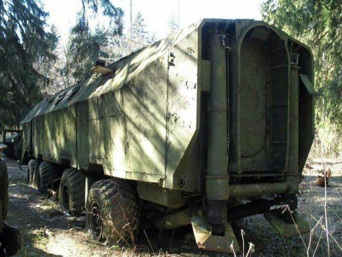 От масштабного выпуска таких машин отказались, теперь Редут превратился в ржавый металлолом / Фото: nevsedoma.com.ua