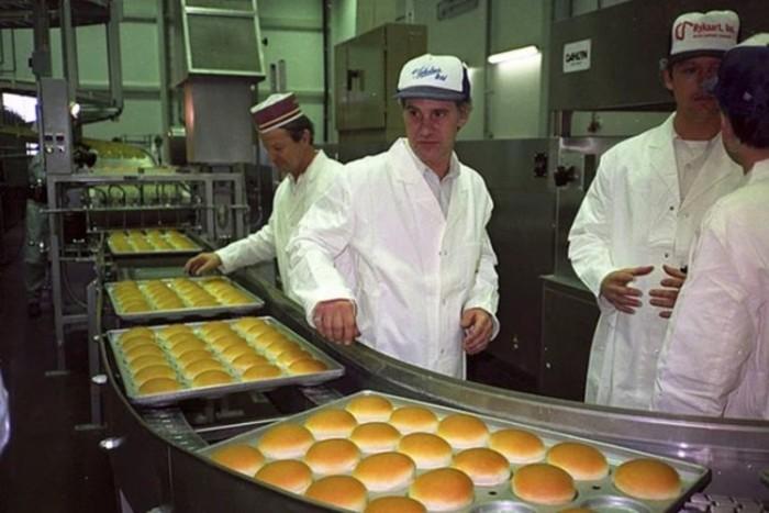 Производство бургеров возобновилось в 90-х годах / Фото: hochyvseznat.ru