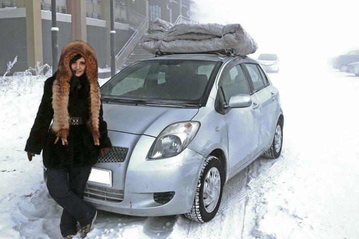 Объемные не то одеяла, не то ковры на крыше автомобиля - обычное явление в Якутии / Фото: yandex.ru