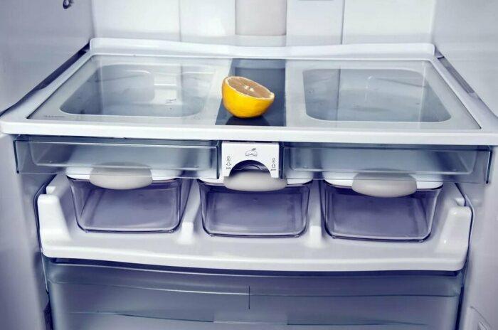 Хорошая вентиляция исключает появление неприятных запахов в холодильной камере / Фото: easyladys.com