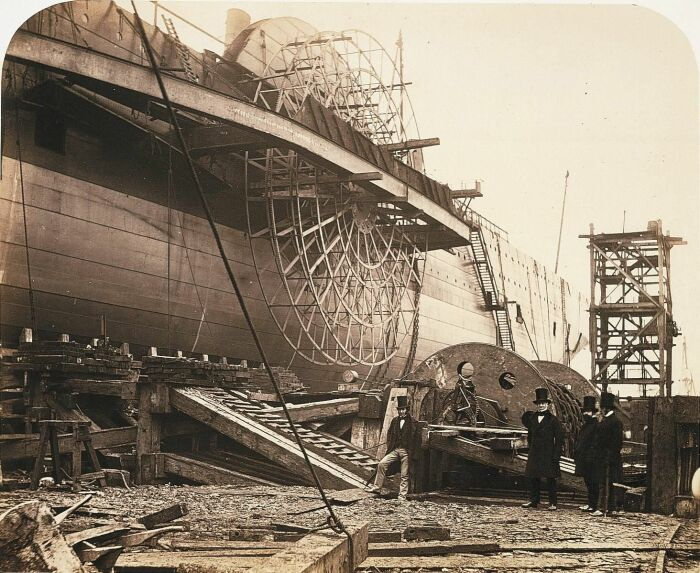 В старину наружные элементы корабля покрывали специальным водоотталкивающим покрытием / Фото: cz.pinterest.com