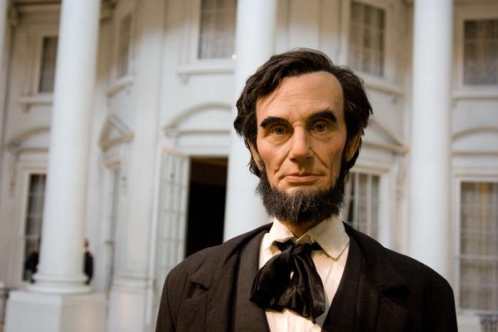 Чтобы мотивировать людей переселяться на Запад, Авраам Линкольн подписал Закон о гомстедах / Фото: answersafrica.com
