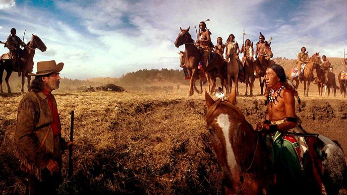 Коренные жители индейцы противостояли белым людям, которые стремились отобрать у них землю / Фото: fullmoviesf.com