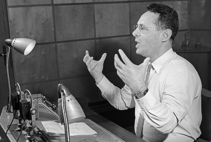 На радио в 60-х годах прошлого столетия Левитан практически не звучал, хотя его уважали, ценили, да и известность никуда не делась / Фото: novayaepoxa.com