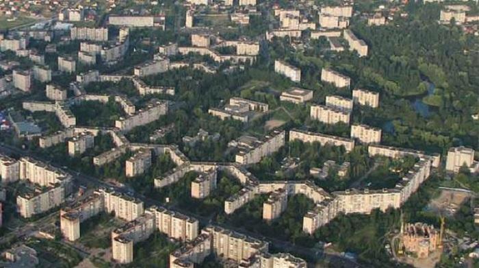 Авторами проекта самого длинного в мире жилого дома стали Метельницкий Р. Г. и Маловице В. К. / Фото: vk.com