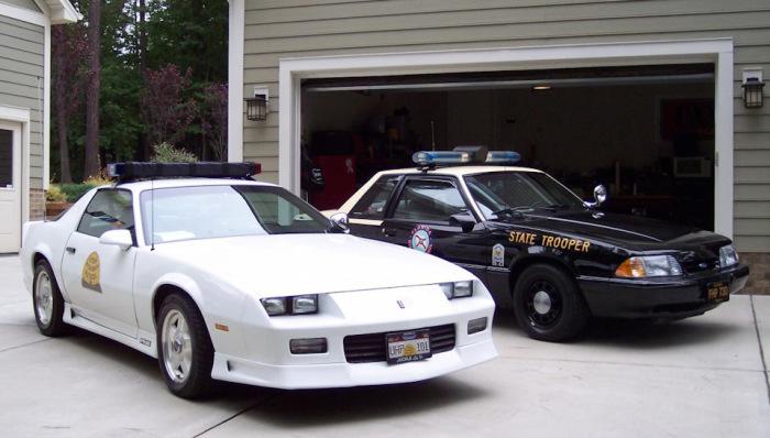 В случае чрезвычайной ситуации забор будет мешать подъехать полицейским к дому / Фото: drive2.com