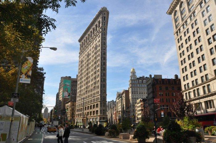 Плоский дом Флэтайрон-билдинг, возведенный в Нью-Йорке / Фото: wikiway.com