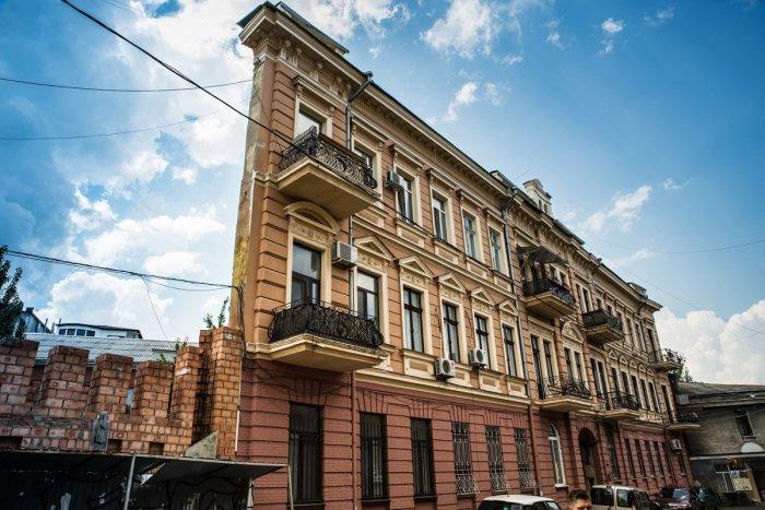 Дом-стена или «Ведьмин дом» построен в Одессе / Фото: fotokto.ru