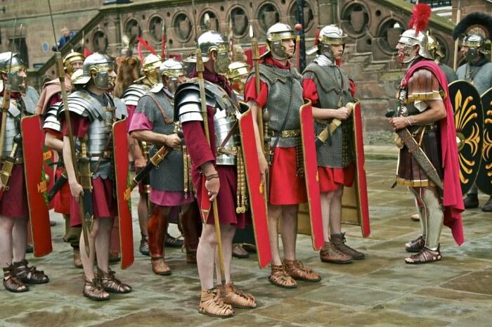 Древние римляне не имели право носить брюки и сапоги / Фото: sebezh.myqip.ru