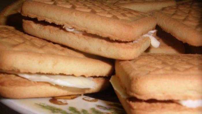 Сэндвич из печенья с маслом / Фото: sm-news.ru