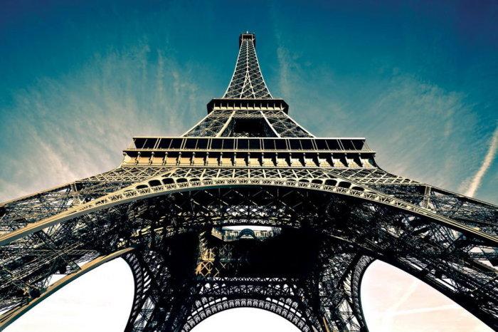 Большую часть денег на возведение Эйфелевой башни потратил ее создатель / Фото: yandex.ua