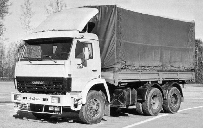 Ежегодно на экспорт отправлялось более 10 тысяч Камазов / Фото: uk.wheelsage.org