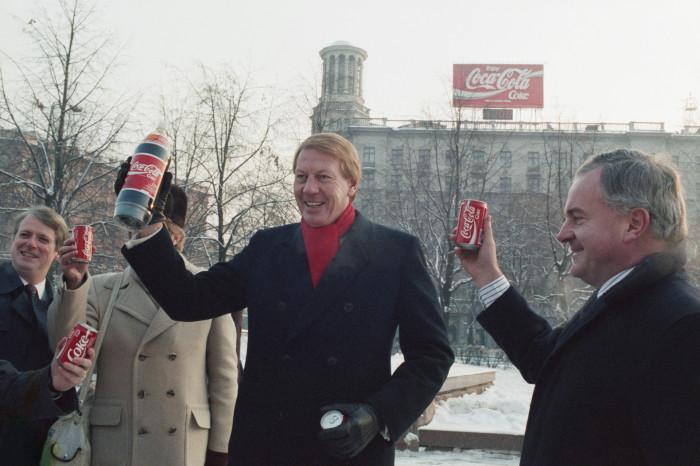 Первая наружная реклама в СССР / Фото: fr.rbth.com