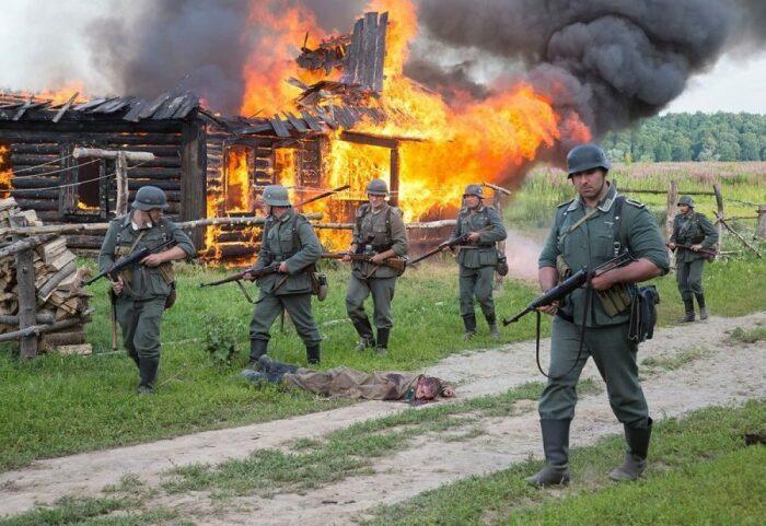 Добрые дяденьки немцы, особенно среди офицерского состава, встречались не так уж и часто / Фото: densegodnya.ru