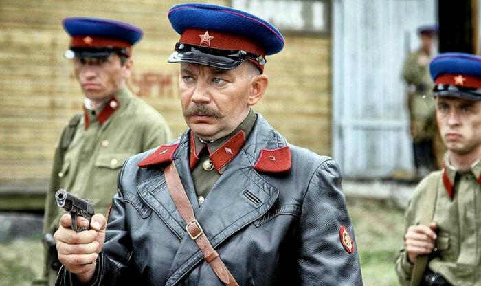 Сотрудник НКВД, который устраивает самосуд над кем-то из героев, присутствует почти во всех кинолентах / Фото: liveinternet.ru