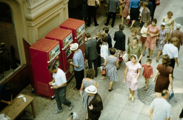 Автоматы с газированной водой пользовались большой популярностью / Фото: yandex.ua