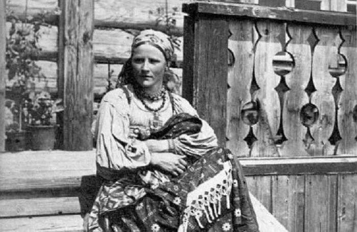 Старых дев награждали обидными и злыми прозвищами: седые головы, непетое волосье, вековухи / Фото: male.mediasalt.ru