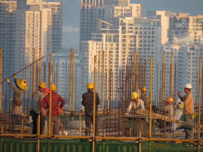 На строительство урбанизированных районов пошло очень много бетона / Фото: dudon.enjourney.ru