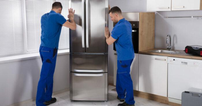 Чтобы избежать излишних шумов, холодильник следует устанавливать по уровню / Фото: fotolog.com