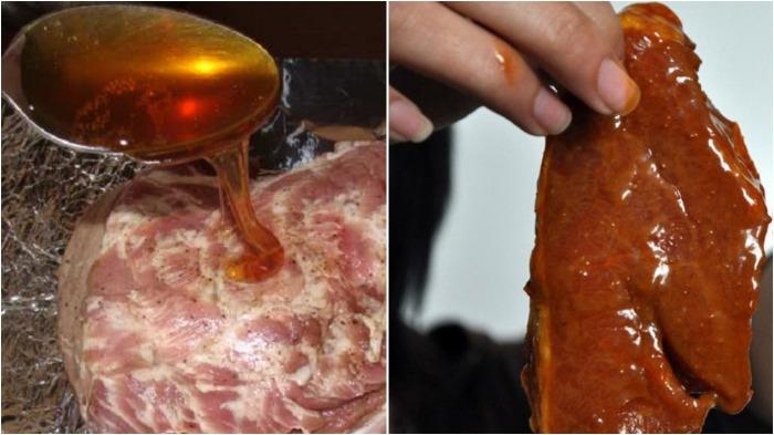 Всю поверхность мяса необходимо покрыть медом, который образует своеобразную пленку / Фото: akademiapovarov.ru