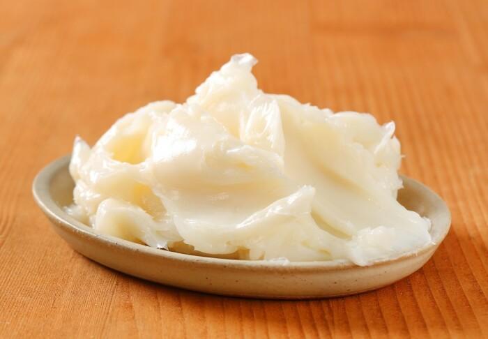 Вместо меда можно взять жир, подойдет как бараний так и свиной / Фото: womond.com