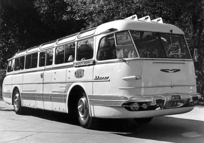 Наиболее важным из этой линейки автобусов того времени стал Ikarus 55 Lux – междугородняя модель / Фото: cutewallpaper.org