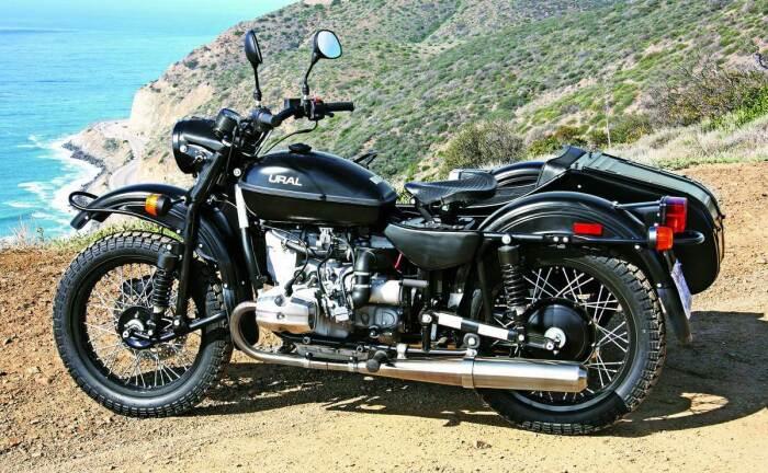 Одноместный с коляской мотоцикл Урал СиТи изготовлен в классическом стиле / Фото: akppwiki.ru