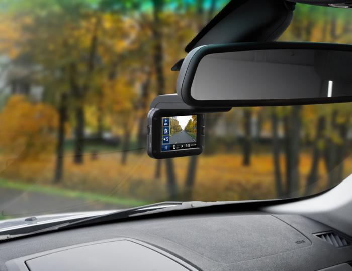 Если в машине есть видеорегистратор, можно обратиться на горячую линию и сообщить о поведении инспектора / Фото: avtoiuristsyktyvkar