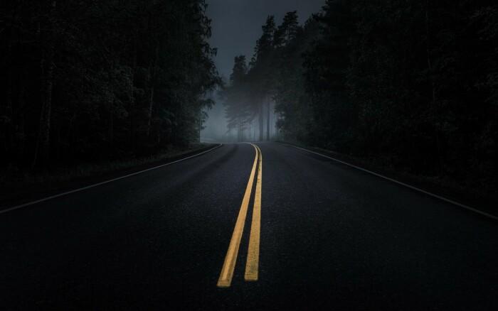 Не стоит останавливать автомобиль, если этого требует инспектор ДПС ночью на отдаленной от населенного пункта трассе / Фото: wallhere.com