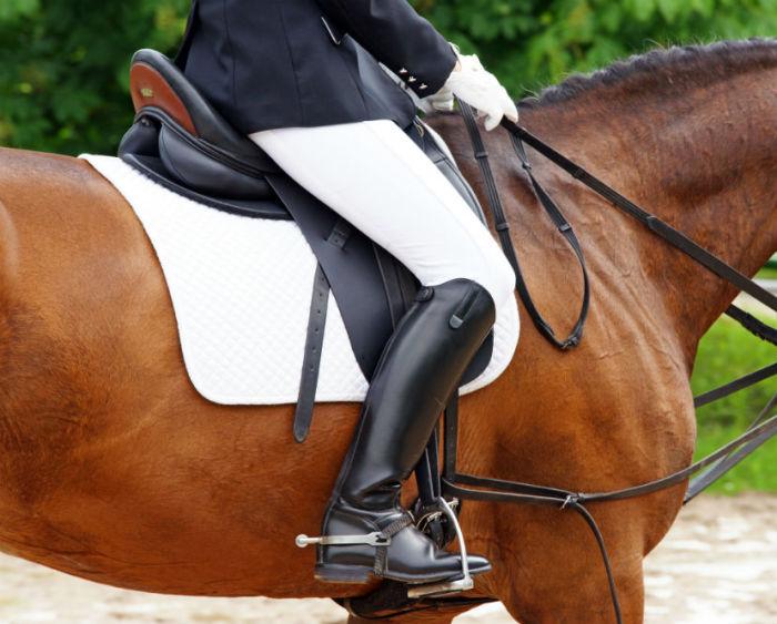 Изначально обувь на каблуке носили только мужчины / Фото: equestrianbootsandbridles.com