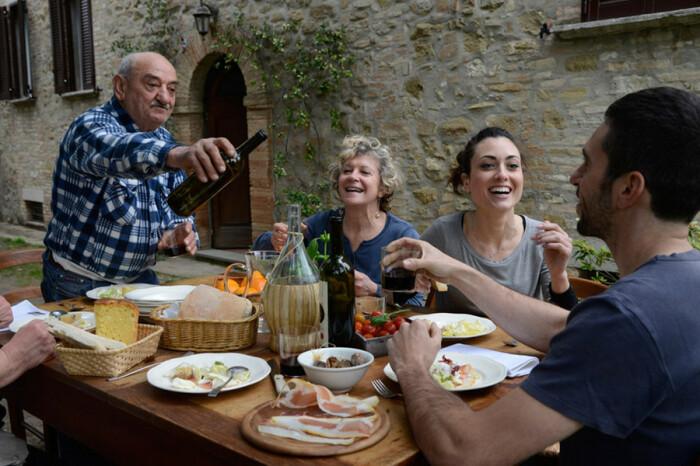 Что касается прихода в гости, то опоздать как минимум минут 30 – это в порядке вещей / Фото: shnyagi.net