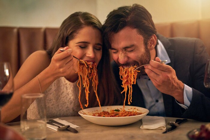 В Италии к пасте никогда ничего не добавляется, о котлетах, колбасе и мясе  в данном случае следует забыть / Фото: stihi.ru