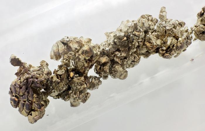 РИТЭГи, которые используют на Земле, работают на другом изотопе, называемом Стронций-90 / Фото: thoughtco.com