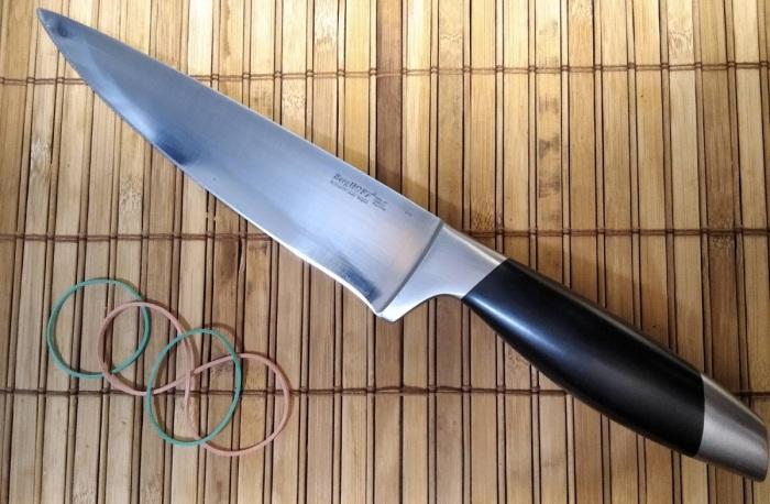 Японский способ нарезки очень простой и действенный, для его реализации  нужен нож и резинка
