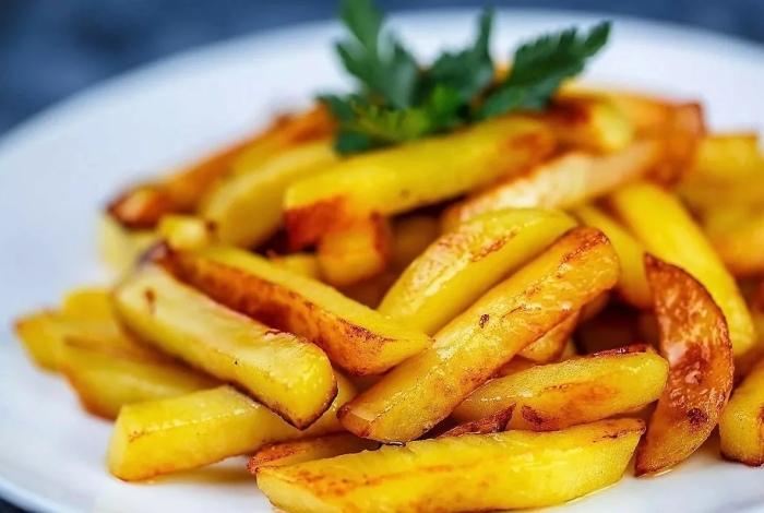 Придерживайтесь рекомендаций и наслаждайтесь вкусной жареной картошечкой с хрустящей корочкой / Фото: mir-da.ru