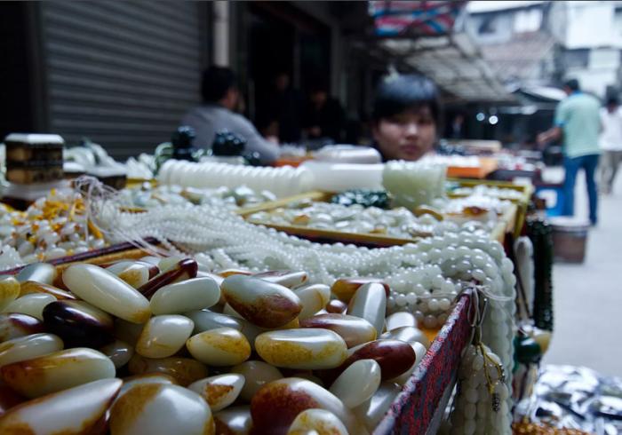 Камни - востребованный товар в Китае / Фото: ruby-sapphire.com