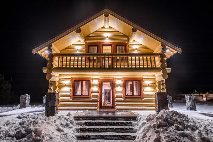 В северных районах Канады предпочтение отдают срубам / Фото: yandex.fr