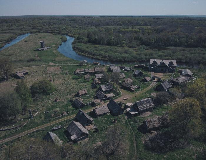 Деревня была возведена исключительно для съемок кинокартин / Фото: yandex.com