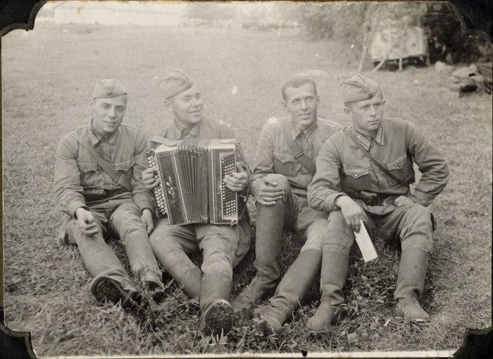 Советские кирзовые сапоги очень хорошо себя зарекомендовали во время ВОВ / Фото: livinghistory.ru