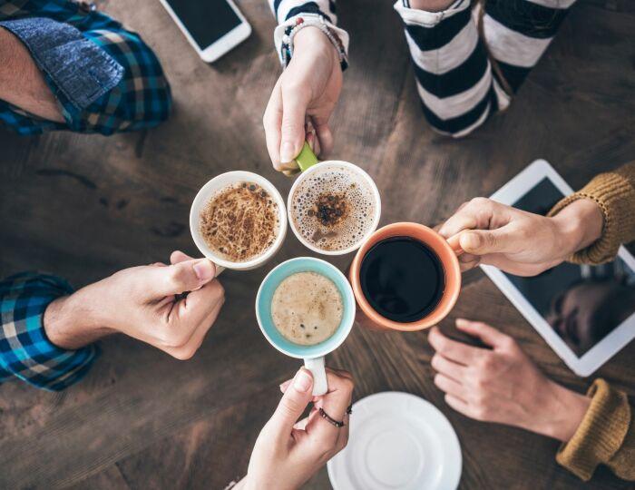 Из зерен кофе готовят много различных напитков: американо, капучино, эспрессо, латте / Фото: rustransplant.com