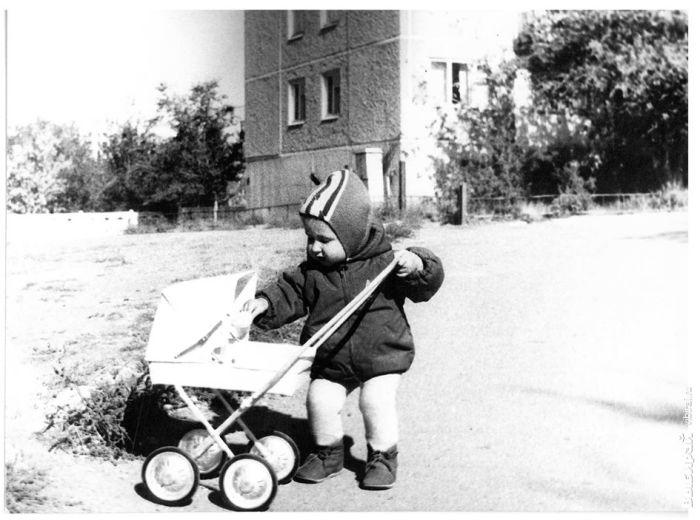 Помимо колясок для двойни начали выпускать и детские модели для кукол / Фото: karaganda.vibirai.ru