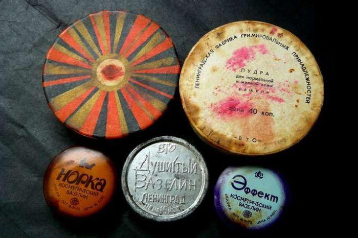 Бальзамы для губ / Фото: pinterest.nz