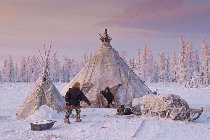 Куропачий не сравнится с обычным чумом, но выжить ночью в тундре поможет / Фото: fotostrana.ru