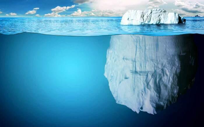 Для строительства секретной станции был подобран айсберг с плоской поверхностью / Фото: thebiggest.ru