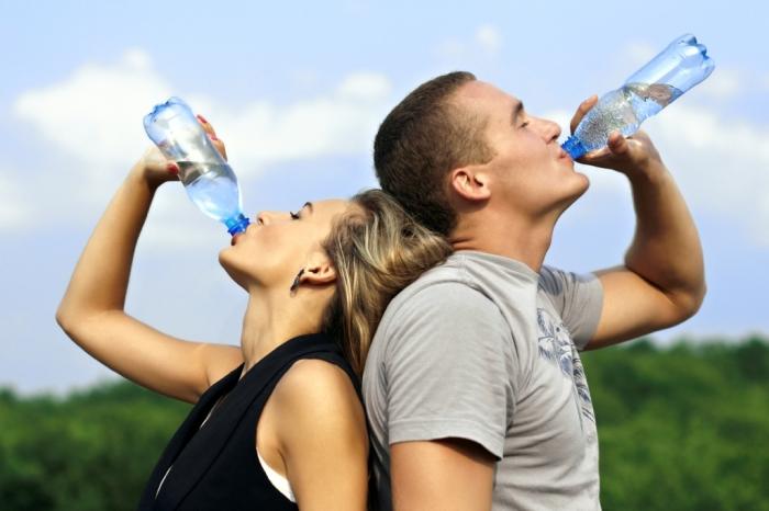 Как сохранить напитки холодными без термосумки и не только