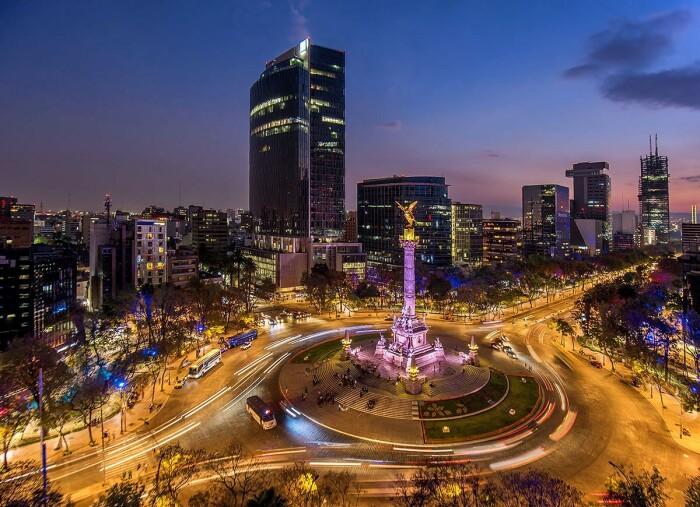 Несмотря на все сложности, Мехико остается красивым городом и привлекает множество туристов / Фото: medium.com