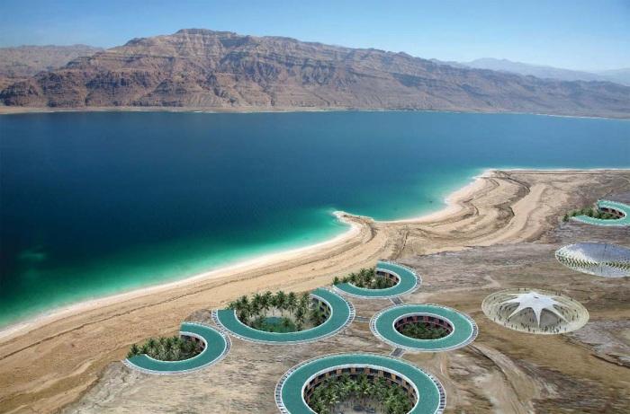 Соленая вода благоприятно влияет на здоровье в целом, но опасна для слизистой / Фото: funart.pro
