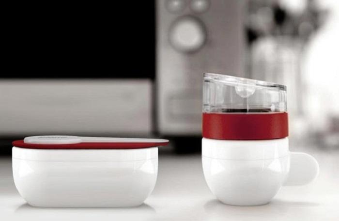 Гейзерная кофеварка / Фото: www.jebiga.com
