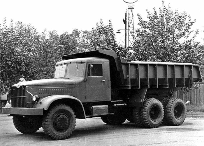 В СССР Япония скупала КрАЗы и тут же переплавляла их в другие машины / Фото: autonews.ua